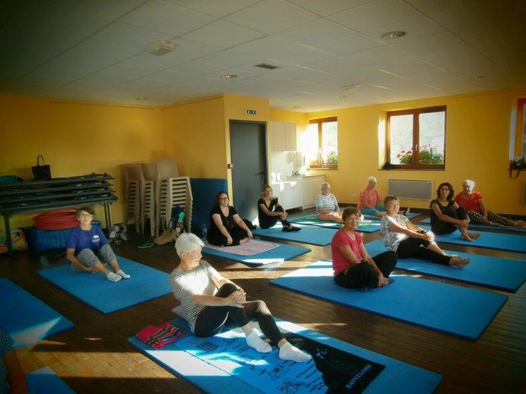 yoga_gal_lapte